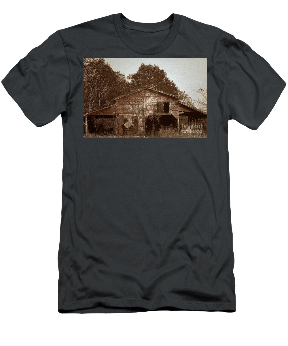 Barn Men's T-Shirt (Athletic Fit) featuring the photograph Still Working by Amanda Barcon