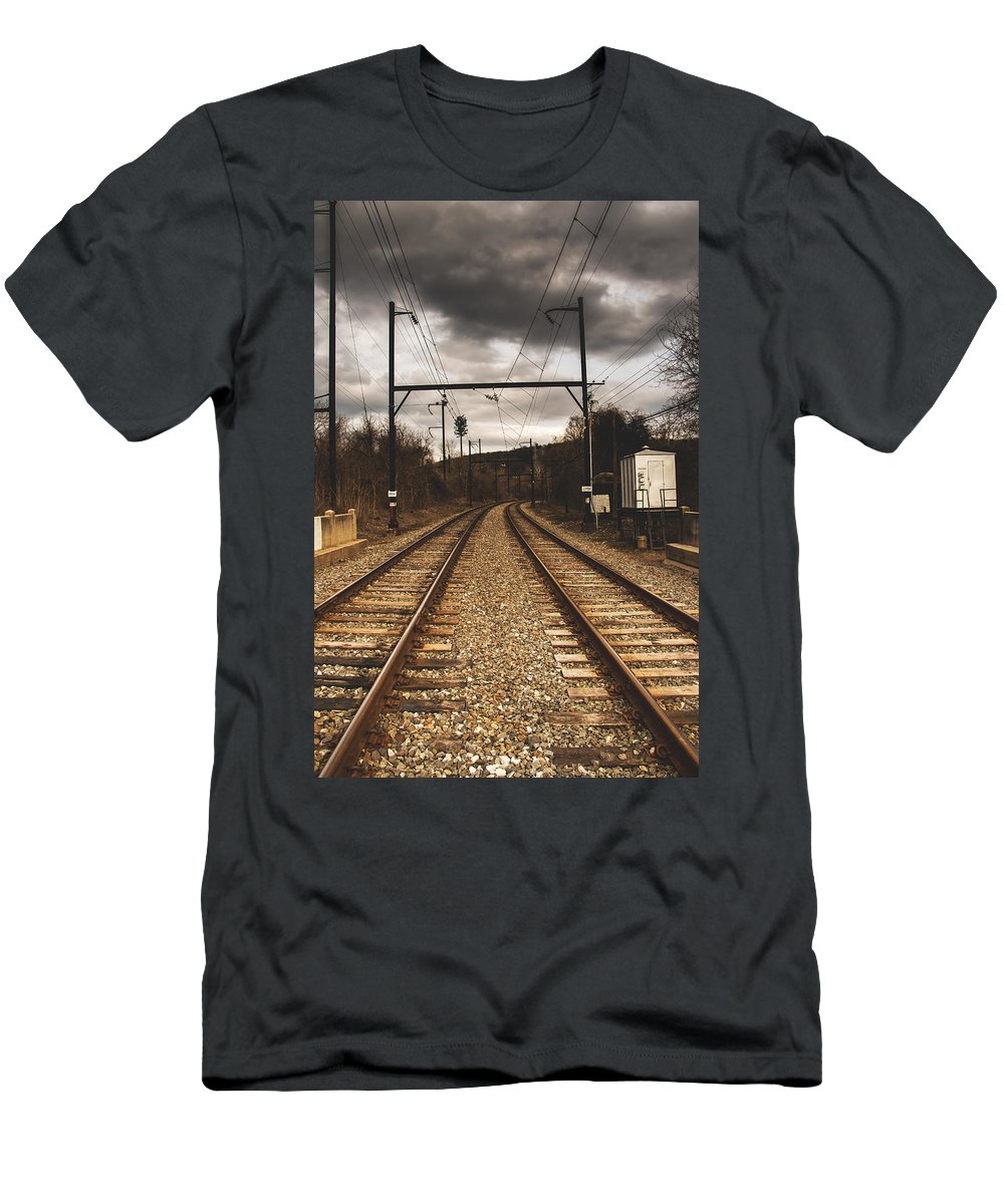 Verticle Men's T-Shirt (Athletic Fit) featuring the photograph Storm Ahead by Howard Roberts