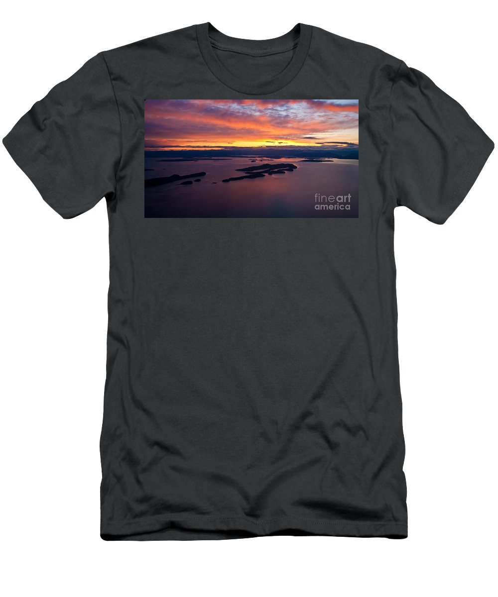 Sucia Men's T-Shirt (Athletic Fit) featuring the photograph Sucia Sunset by Mike Reid
