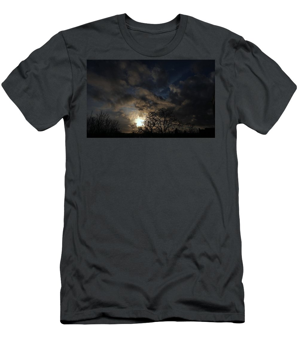 Sunset Men's T-Shirt (Athletic Fit) featuring the photograph Sunday January 29 2017 by Darrell MacIver