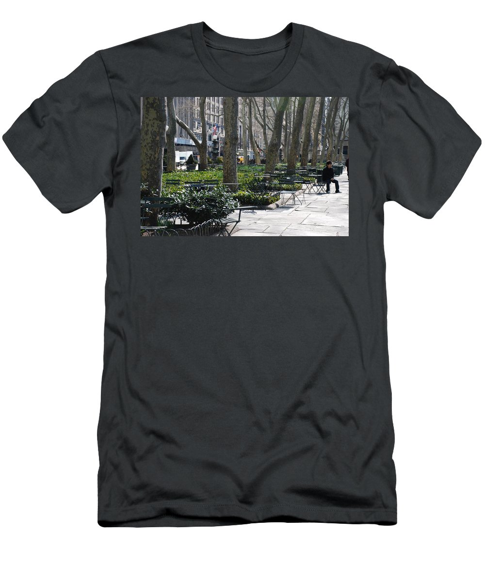 Parks Men's T-Shirt (Athletic Fit) featuring the photograph Sunny Morning In The Park by Rob Hans