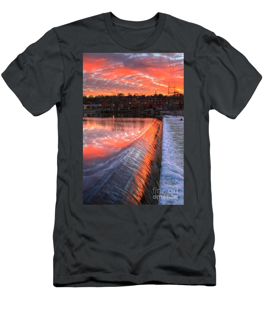 Grand Rapids Art Work Men's T-Shirt (Athletic Fit) featuring the photograph Sunrise At The Dam by Robert Pearson