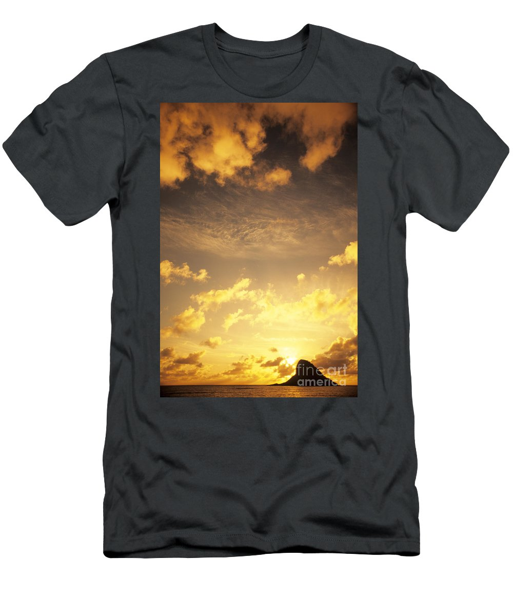 Air Men's T-Shirt (Athletic Fit) featuring the photograph Sunset At Chinamans Hat by Carl Shaneff - Printscapes