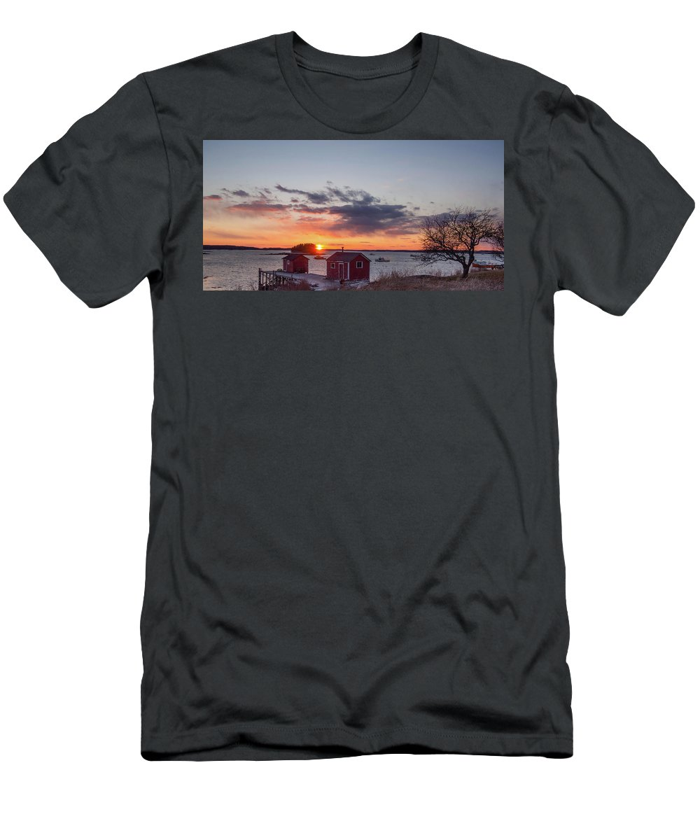 New England Men's T-Shirt (Athletic Fit) featuring the photograph Sunset Down East Maine by Trace Kittrell