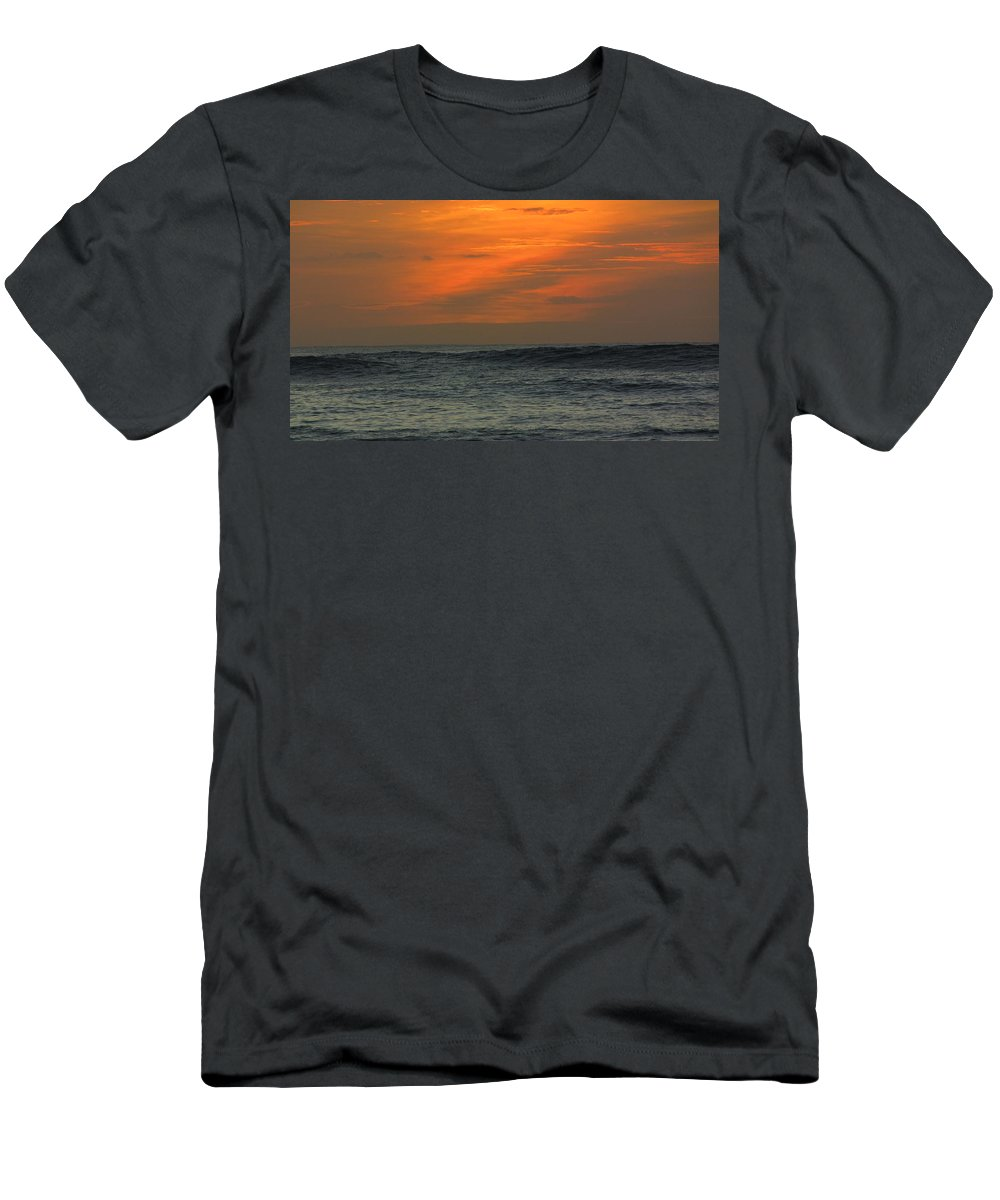 Hawaii Men's T-Shirt (Athletic Fit) featuring the photograph Sunset Ohau by Sarah Houser
