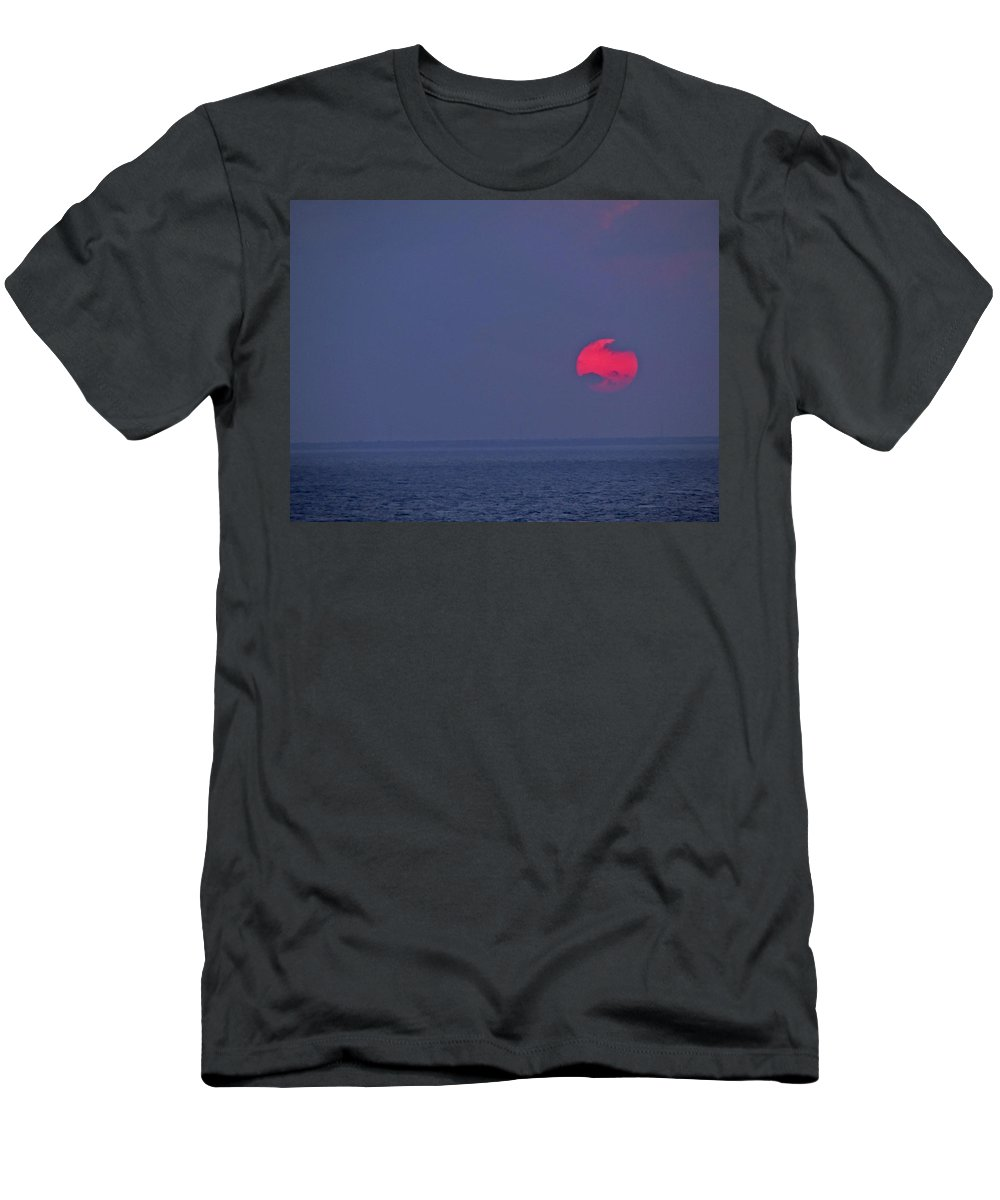 Sunset Men's T-Shirt (Athletic Fit) featuring the photograph Sunset On A Hazy Day by Cathi Abbiss Crane