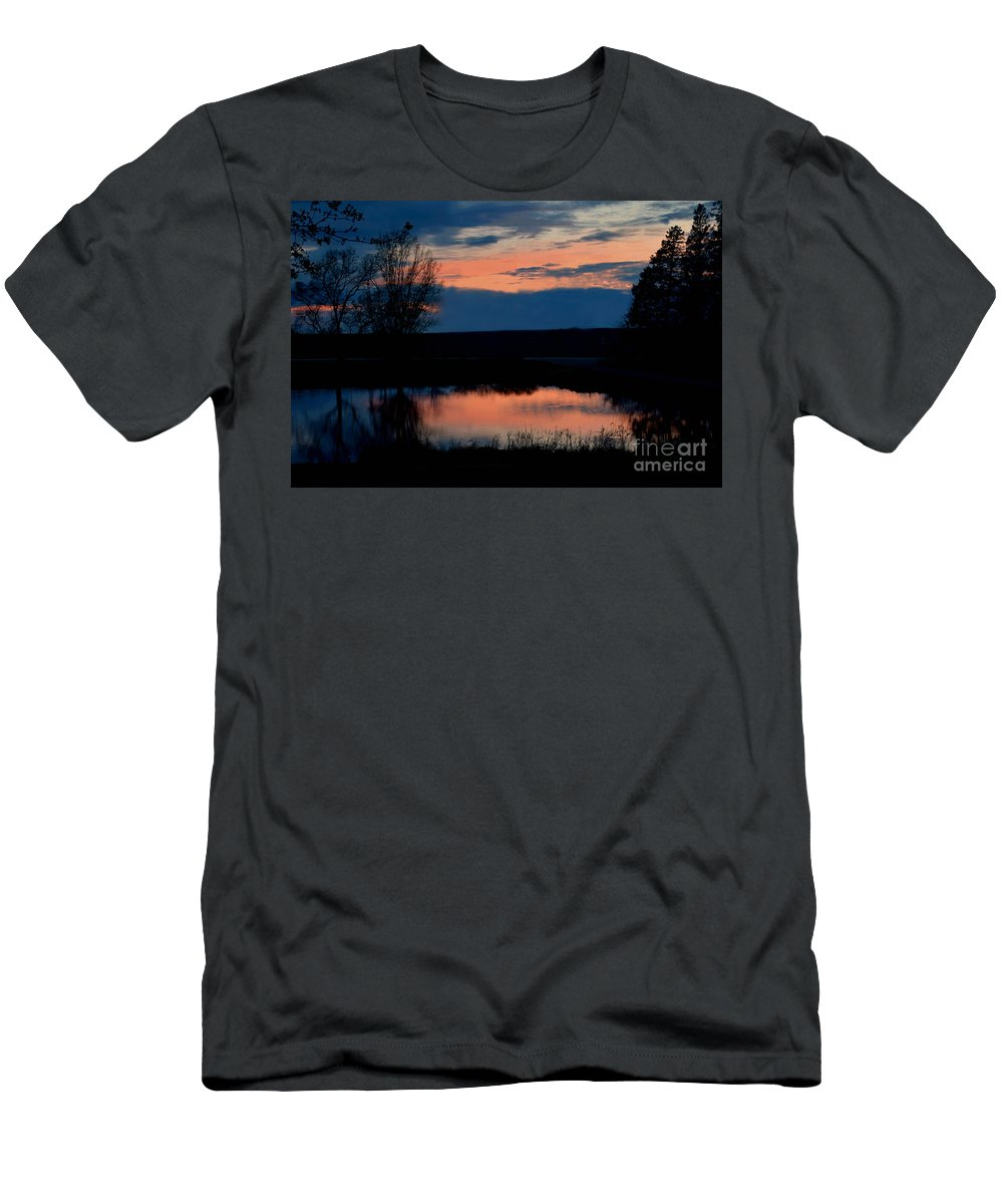 Sunset On Willow Pond Men's T-Shirt (Athletic Fit) featuring the photograph Sunset On Willow Pond by Kathy M Krause