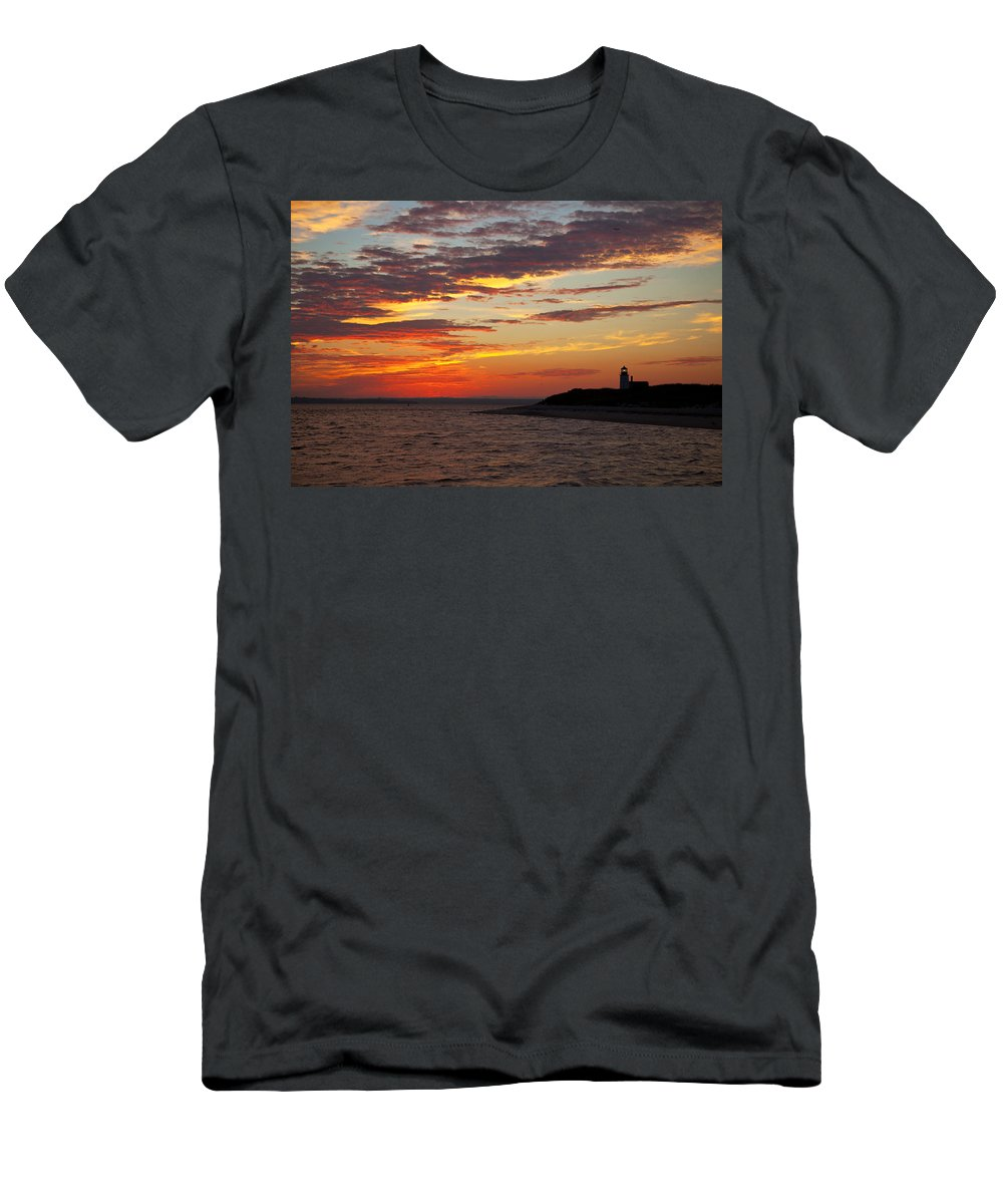Sunset Men's T-Shirt (Athletic Fit) featuring the photograph Sunset Over Sandy Neck Lighthouse by Charles Harden