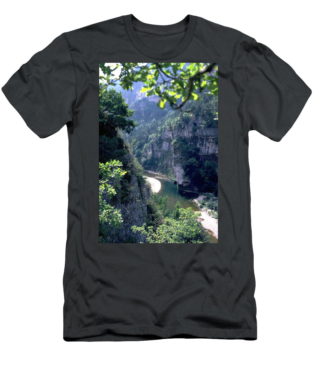 France Men's T-Shirt (Athletic Fit) featuring the photograph Tarn by Flavia Westerwelle