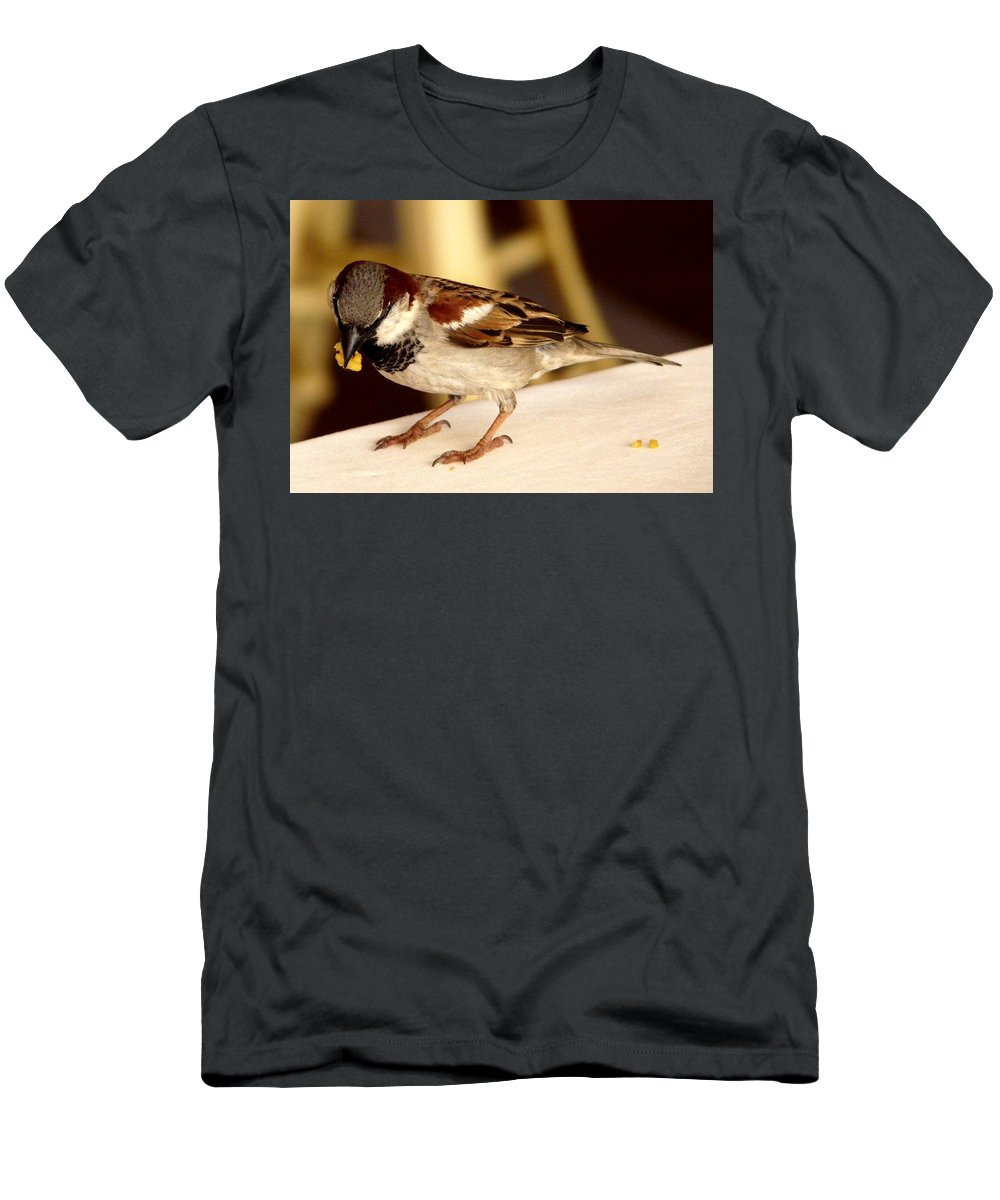 Bird Men's T-Shirt (Athletic Fit) featuring the photograph Thanks by Valerie Ornstein
