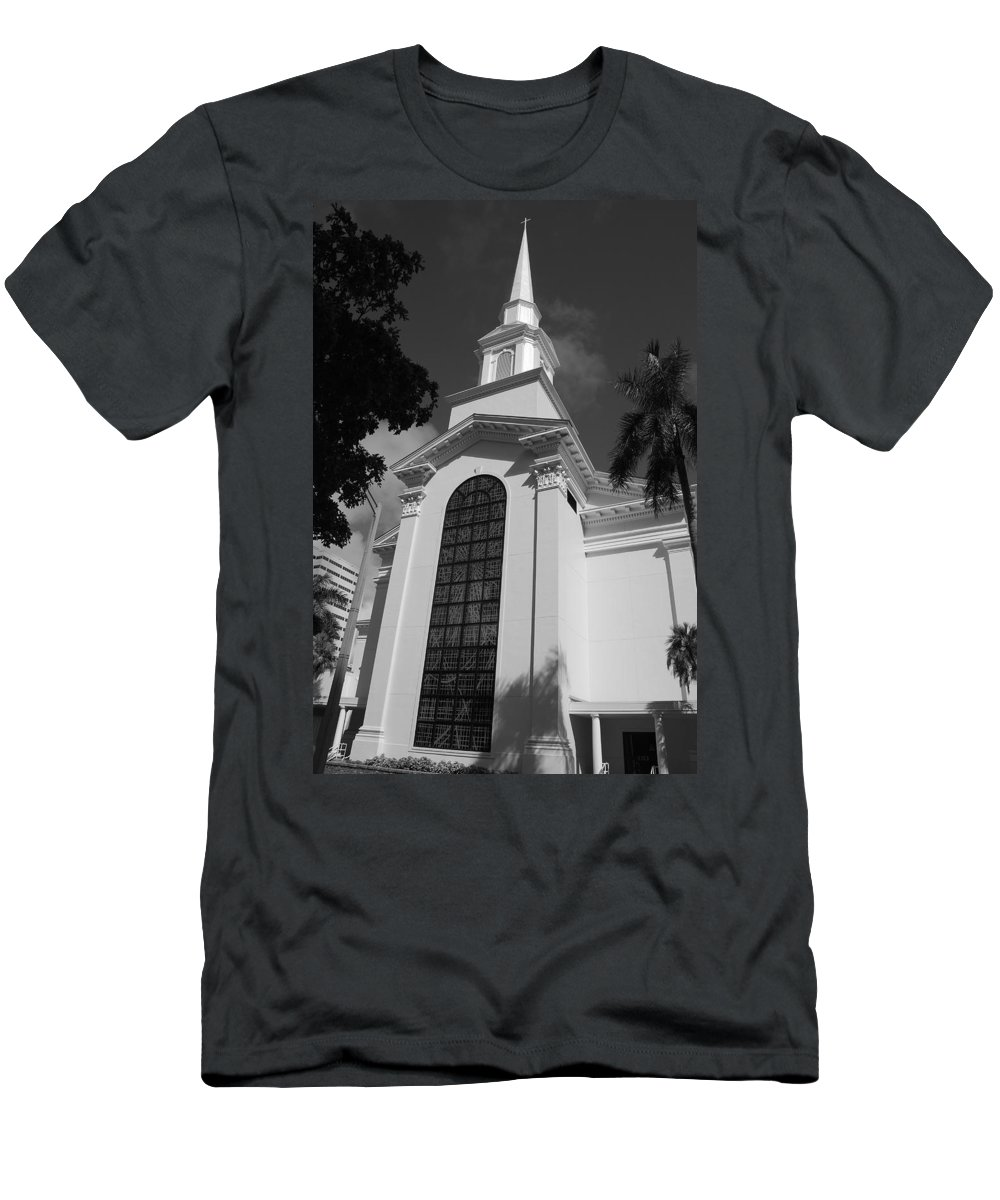 Architecture Men's T-Shirt (Athletic Fit) featuring the photograph Thats Church by Rob Hans