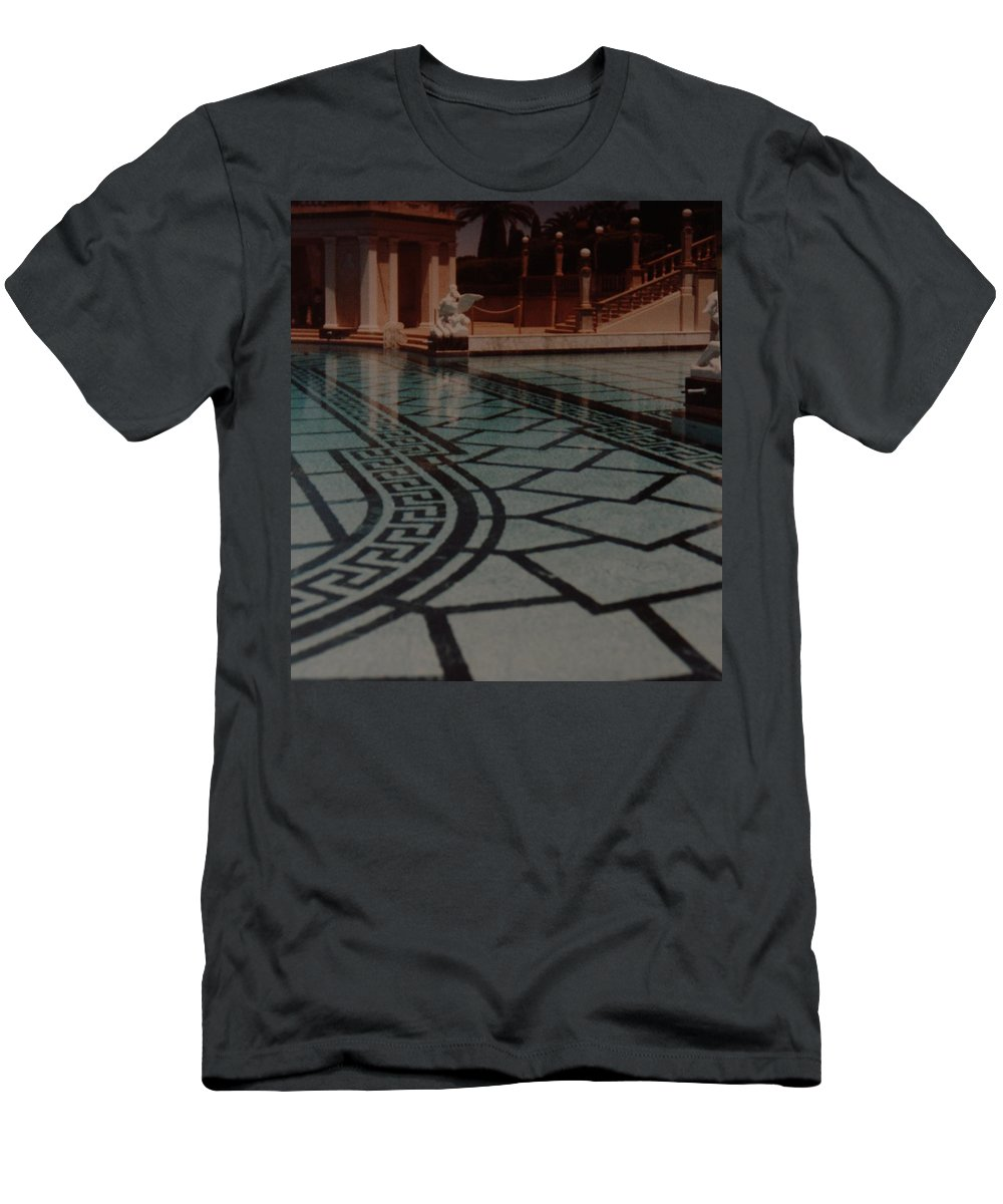 Sculpture Men's T-Shirt (Athletic Fit) featuring the photograph The Biggest Pool by Rob Hans