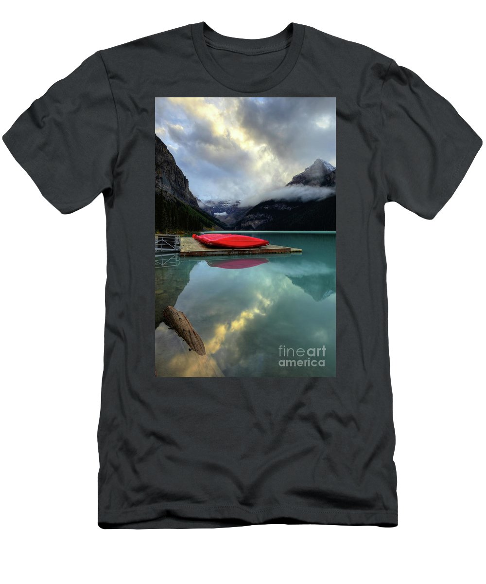 #photogtipsandtricks Men's T-Shirt (Athletic Fit) featuring the photograph The Breathtakingly Beautiful Lake Louise II by Wayne Moran