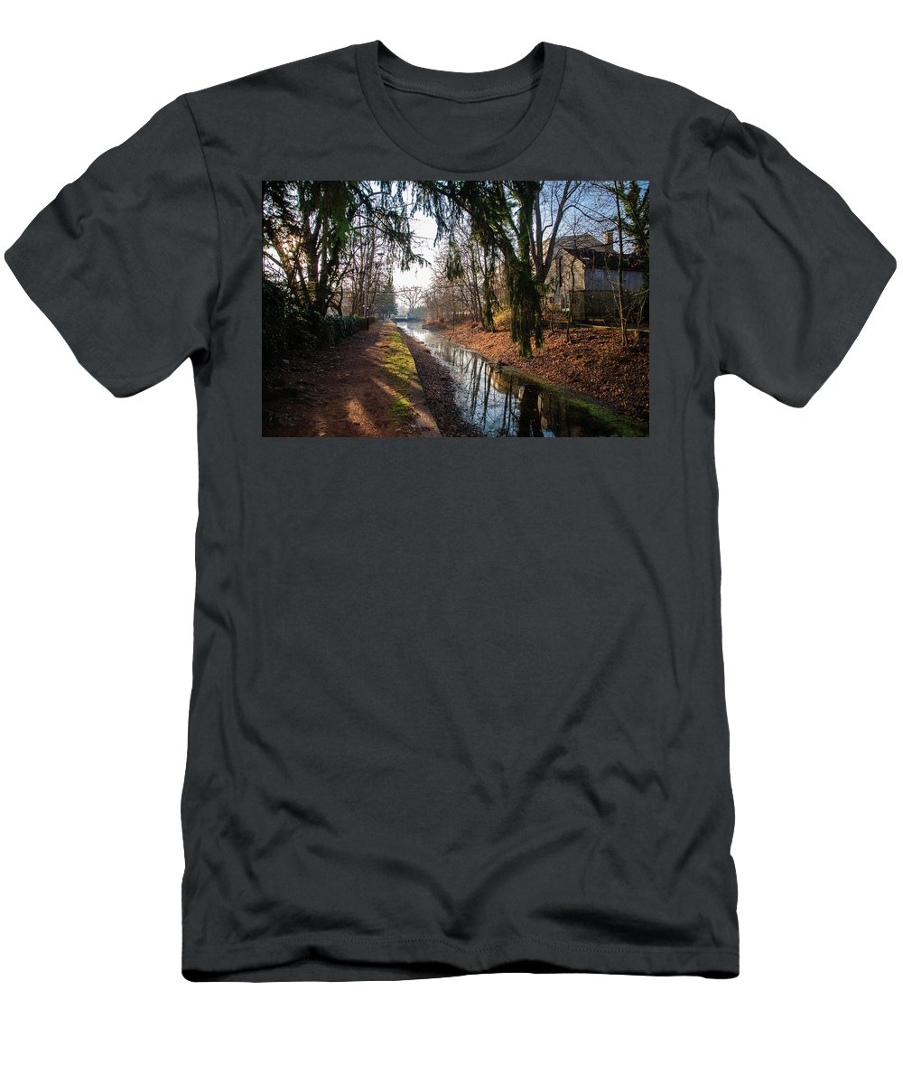 The Men's T-Shirt (Athletic Fit) featuring the photograph The Delaware Canal In New Hope Pa by Bill Cannon