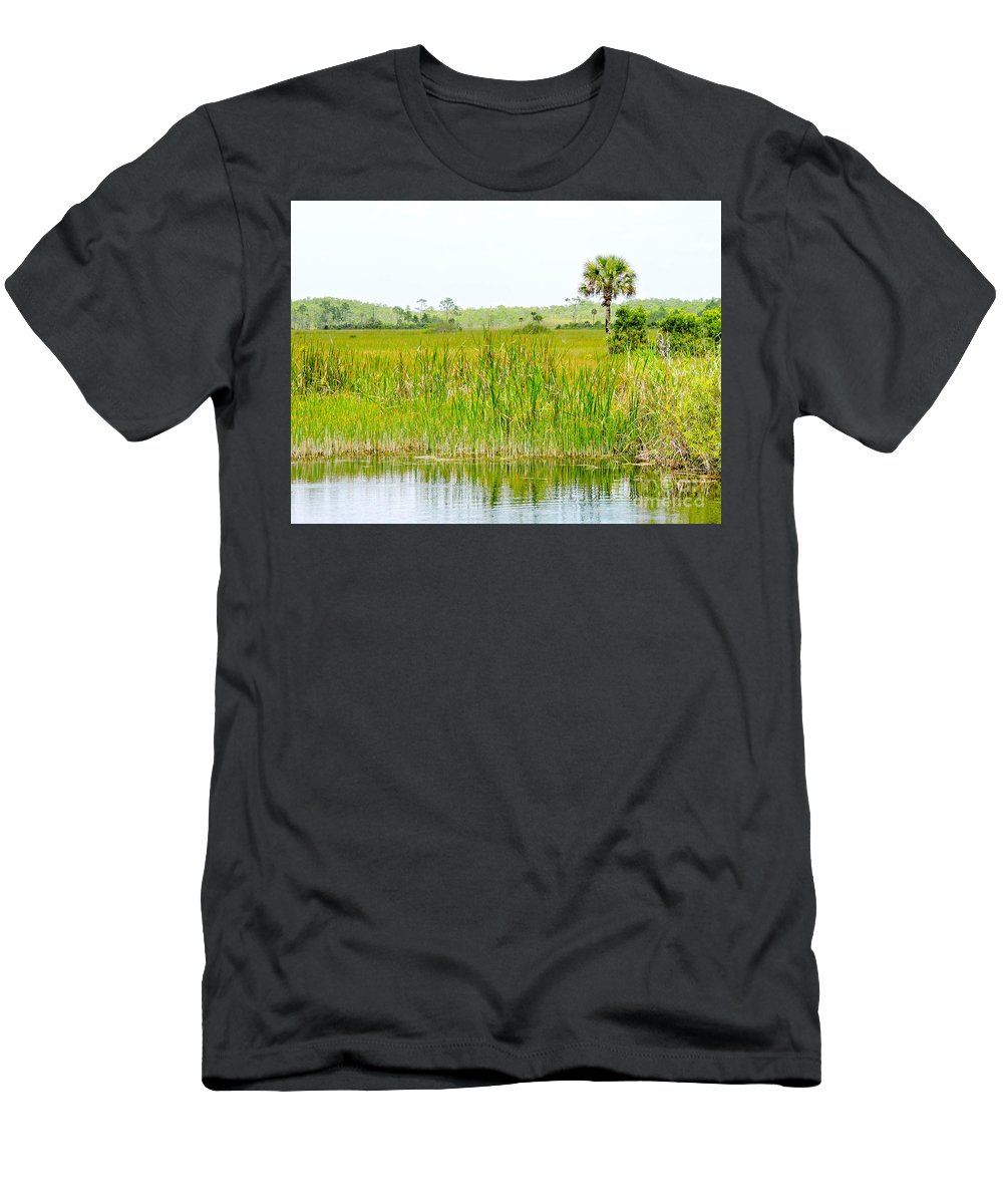 Everglades Men's T-Shirt (Athletic Fit) featuring the photograph The Glades by Marilee Noland