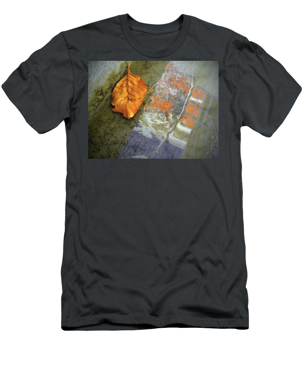 Leaf Men's T-Shirt (Athletic Fit) featuring the photograph The Leaf And The Reflections by Tara Turner