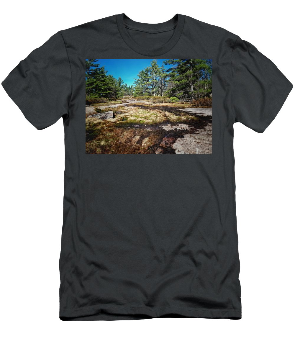 Wilderness Men's T-Shirt (Athletic Fit) featuring the photograph The Middle Of No Where by Kelvin Ventura