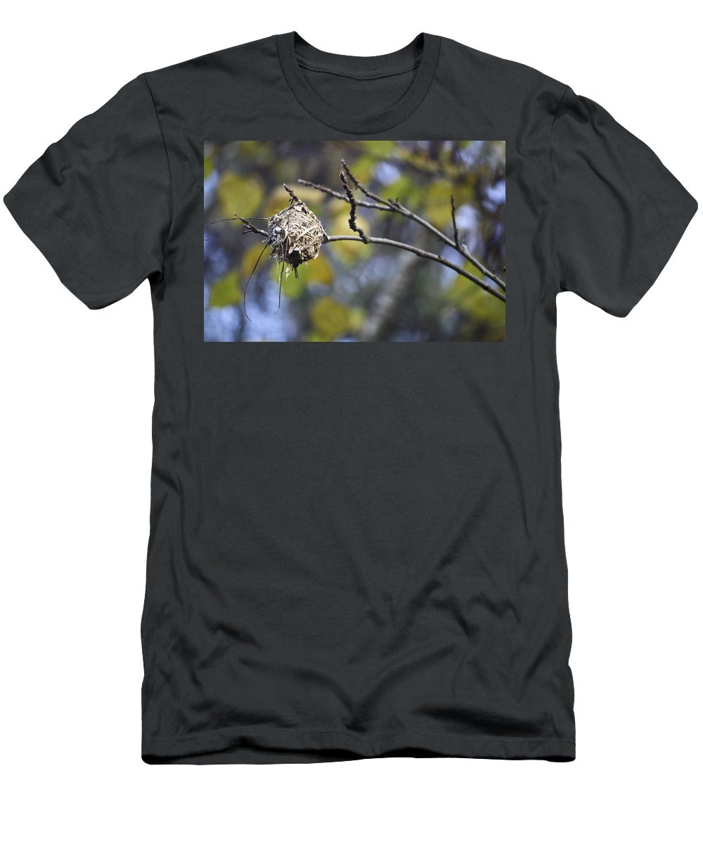 Nest Men's T-Shirt (Athletic Fit) featuring the photograph The Nest 2 by Teresa Mucha