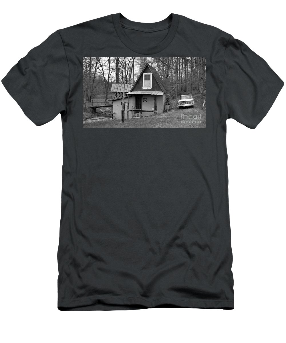 Mill Men's T-Shirt (Athletic Fit) featuring the photograph The Old Mill by Richard Rizzo