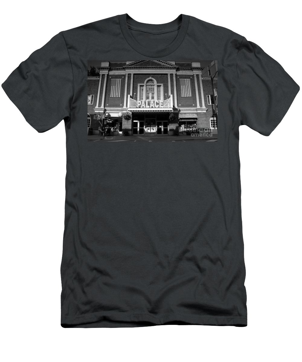 Palace Theater Men's T-Shirt (Athletic Fit) featuring the photograph The Palace by David Lee Thompson
