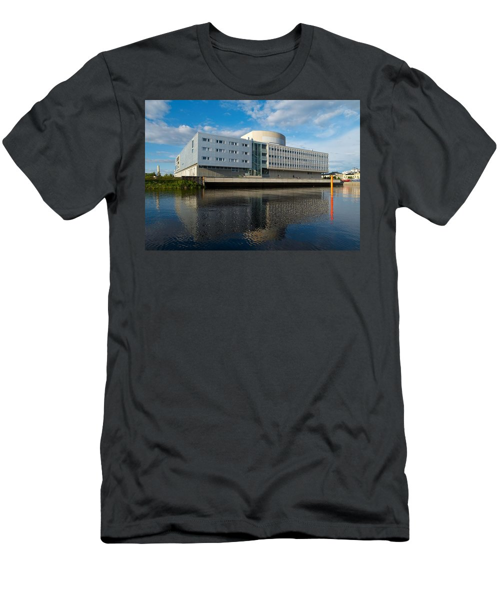 Lehtokukka Men's T-Shirt (Athletic Fit) featuring the photograph The Theatre Of Oulu 2 by Jouko Lehto