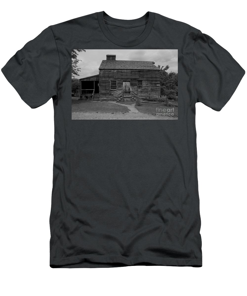 Old Men's T-Shirt (Athletic Fit) featuring the photograph This Old House by Kathleen Struckle