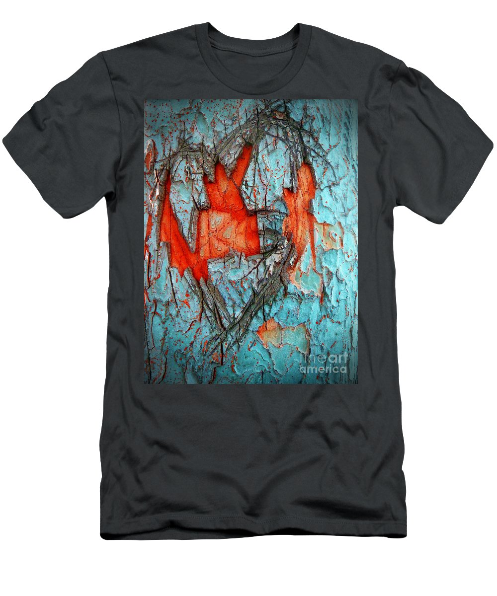 Tree Men's T-Shirt (Athletic Fit) featuring the photograph Tree Heart by Tara Turner