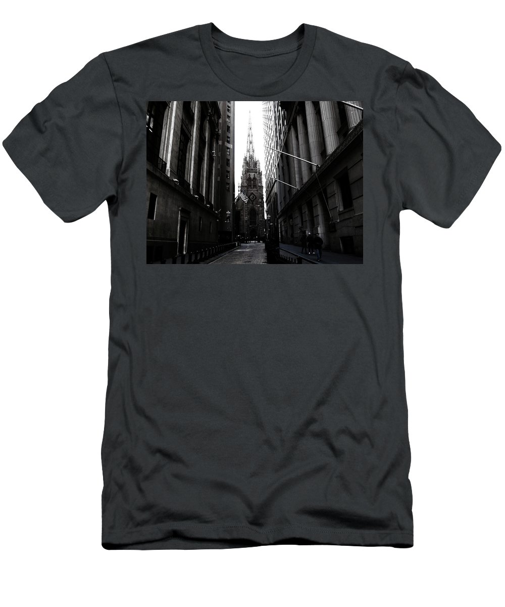 Manhattan Men's T-Shirt (Athletic Fit) featuring the photograph Trinity Church New York City by Don Gronczewski