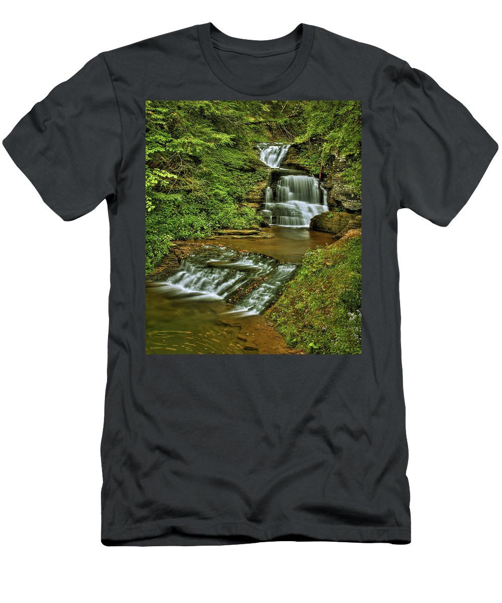 Color Men's T-Shirt (Athletic Fit) featuring the photograph Tripple Decker by Evelina Kremsdorf