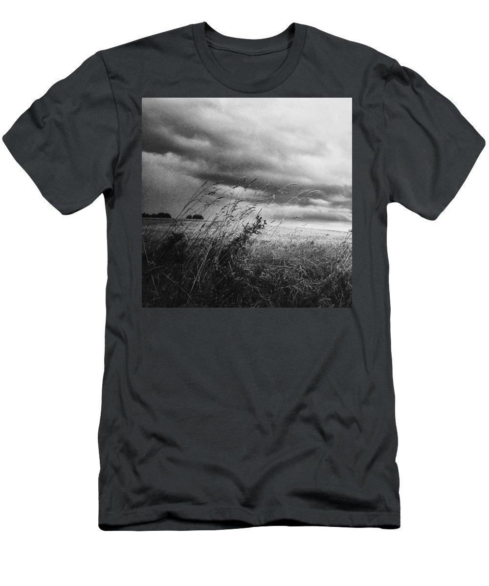 Lumia1520 T-Shirt featuring the photograph Und Unter Den Wolken Wächst Das by Mandy Tabatt