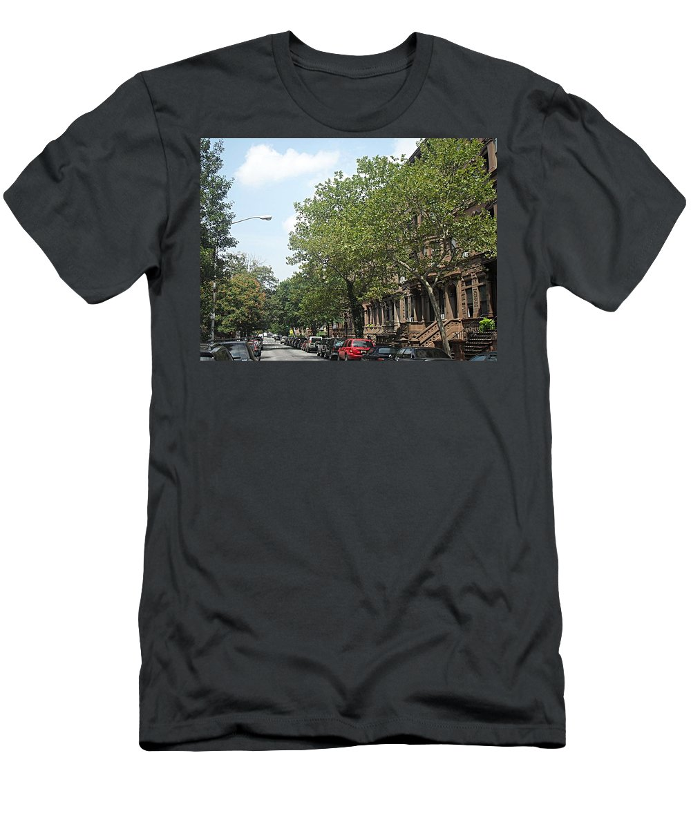 New York Men's T-Shirt (Athletic Fit) featuring the photograph Uptown Ny Street by Vannetta Ferguson