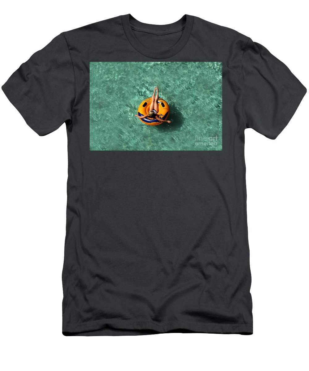 Vacation Men's T-Shirt (Athletic Fit) featuring the photograph Vacation by David Lee Thompson
