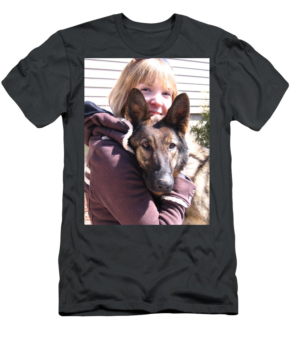 Daughter Men's T-Shirt (Athletic Fit) featuring the photograph Vero Et Foxy by Line Gagne
