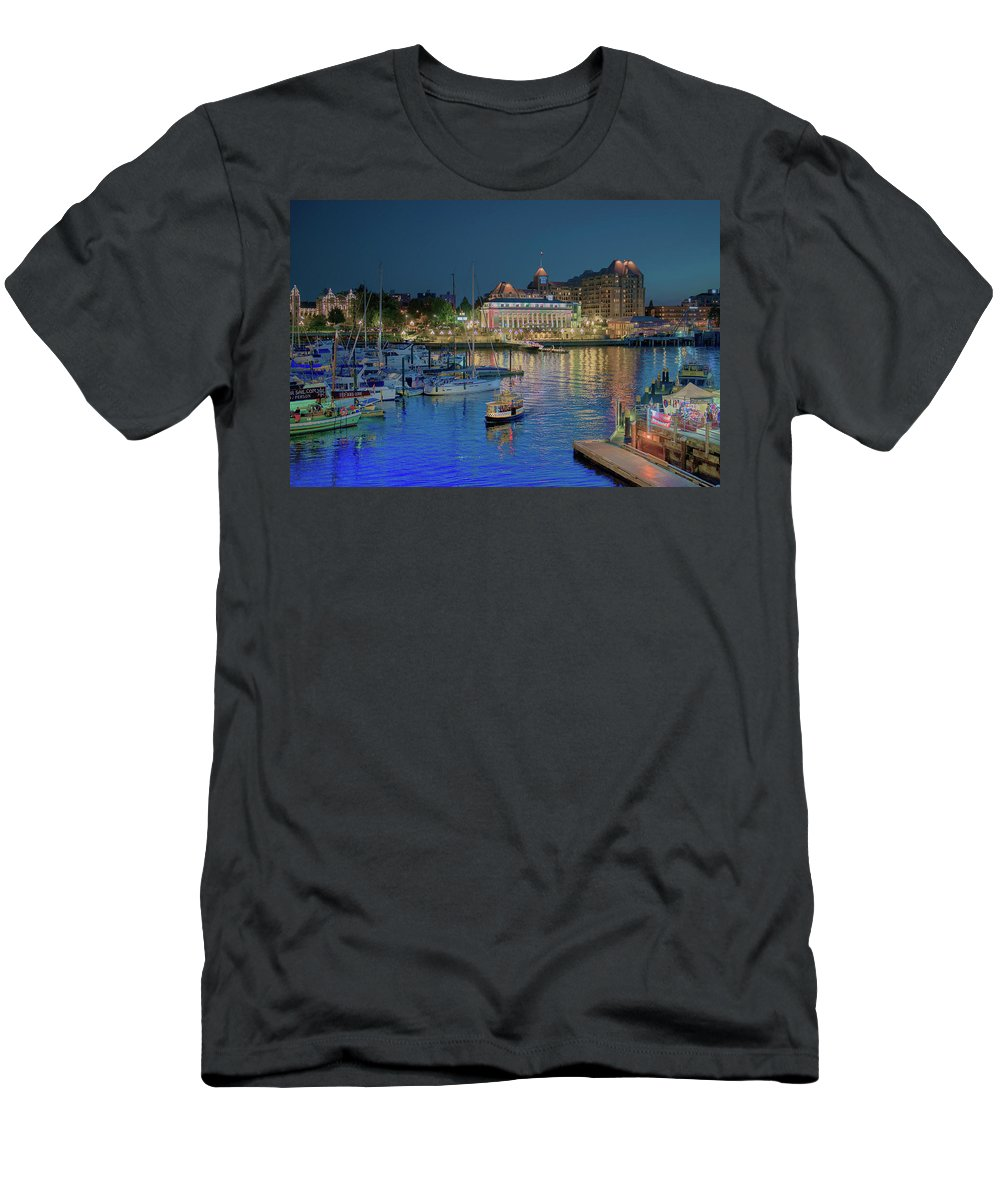 Victoria Men's T-Shirt (Athletic Fit) featuring the photograph Victoria At Night by Patricia Dennis