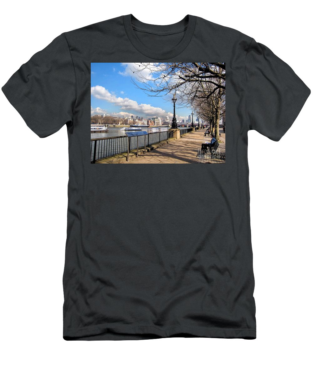 Thames Men's T-Shirt (Athletic Fit) featuring the photograph View Of The Thames by Madeline Ellis