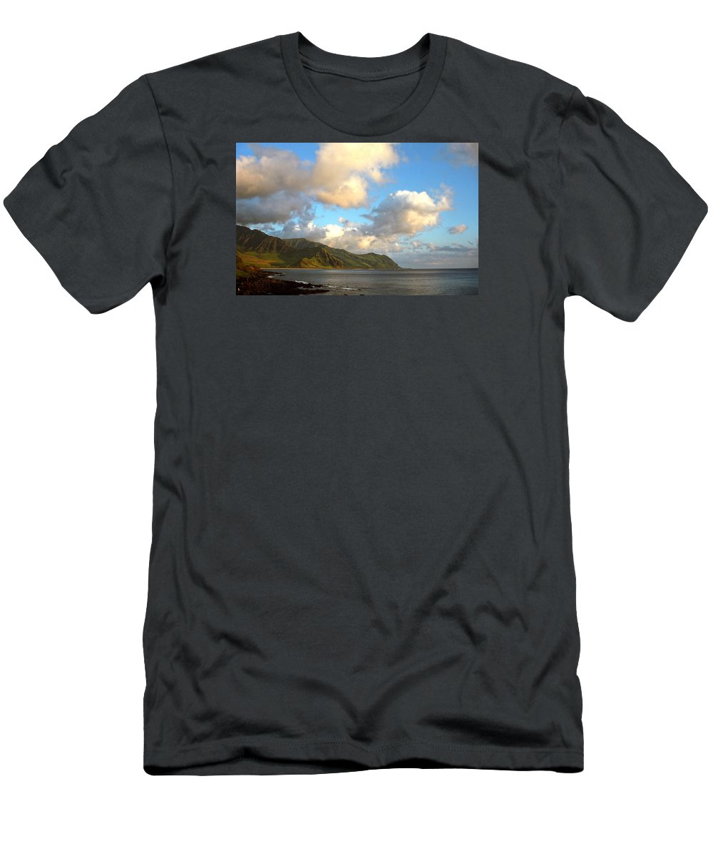 Hawaii Men's T-Shirt (Athletic Fit) featuring the photograph Waianae Coast Hawaii by Kevin Smith