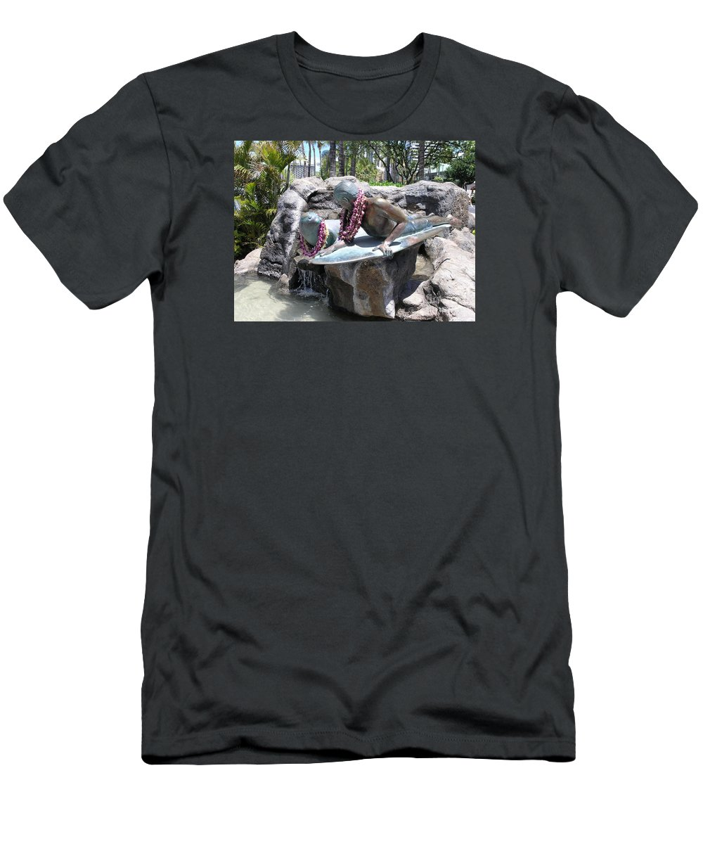 Statue Men's T-Shirt (Athletic Fit) featuring the photograph Waikiki Statue - Surfer Boy And Seal by Mary Deal