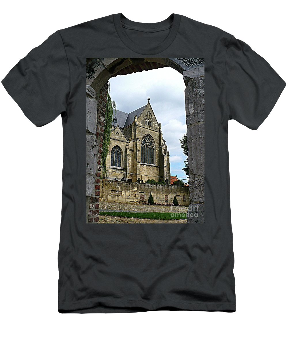 Church Men's T-Shirt (Athletic Fit) featuring the photograph Walkway To Thorn Cathedral by Carol Groenen
