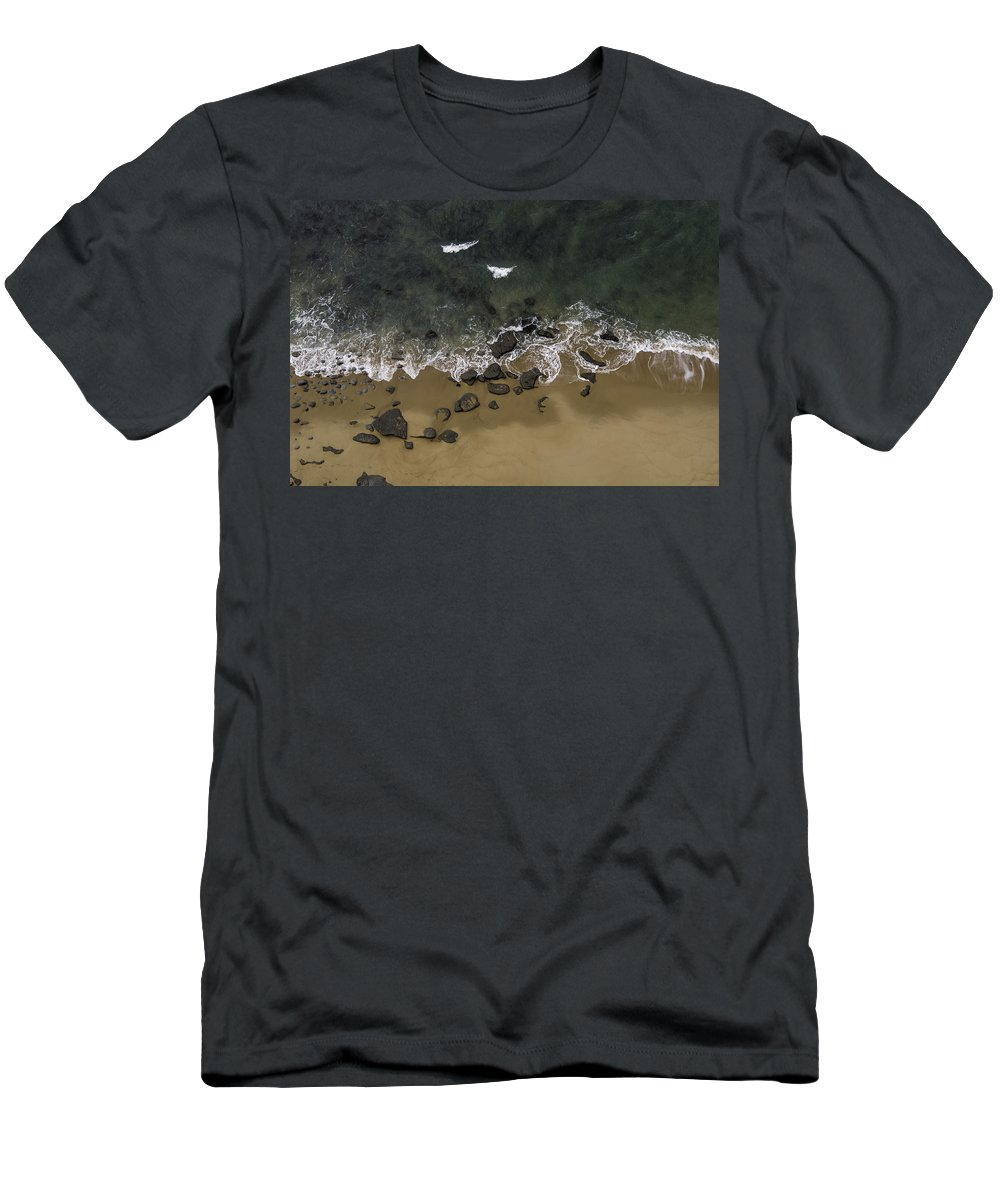 Water Men's T-Shirt (Athletic Fit) featuring the photograph Water Dance by Edgar Laureano