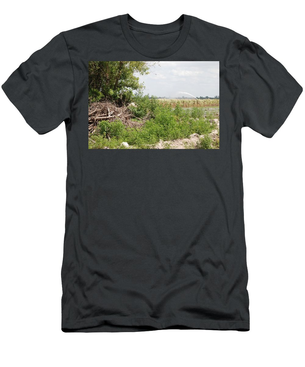 Leaves Men's T-Shirt (Athletic Fit) featuring the photograph Watering The Weeds by Rob Hans