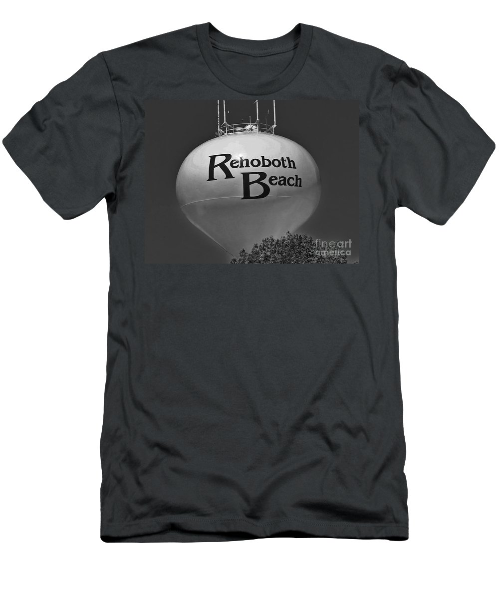 Rehoboth Men's T-Shirt (Athletic Fit) featuring the photograph Watertower Of Reho by Jost Houk