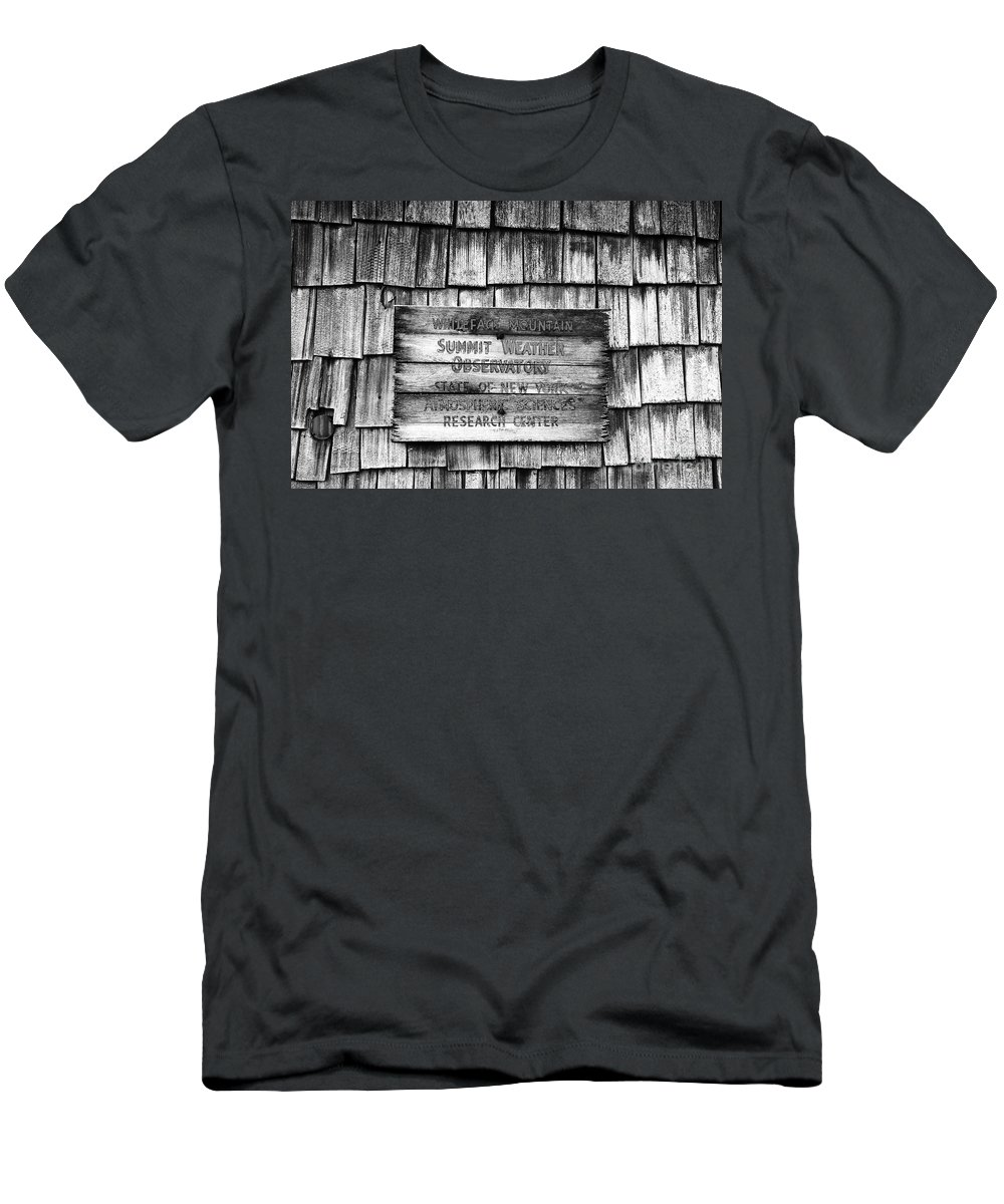 Weather Men's T-Shirt (Athletic Fit) featuring the photograph Weathered by David Lee Thompson