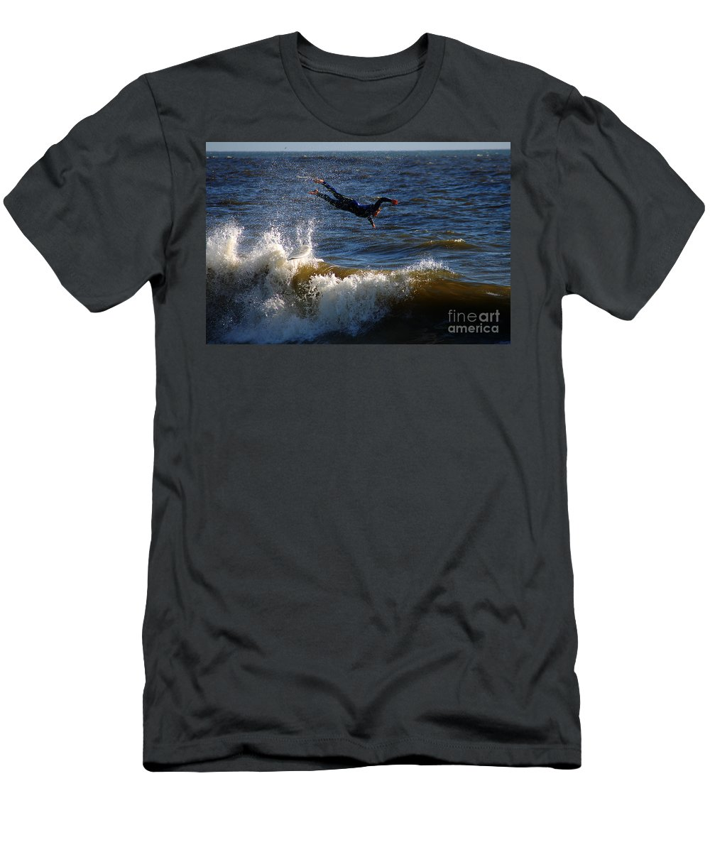 Clay Men's T-Shirt (Athletic Fit) featuring the photograph Wipe Out by Clayton Bruster