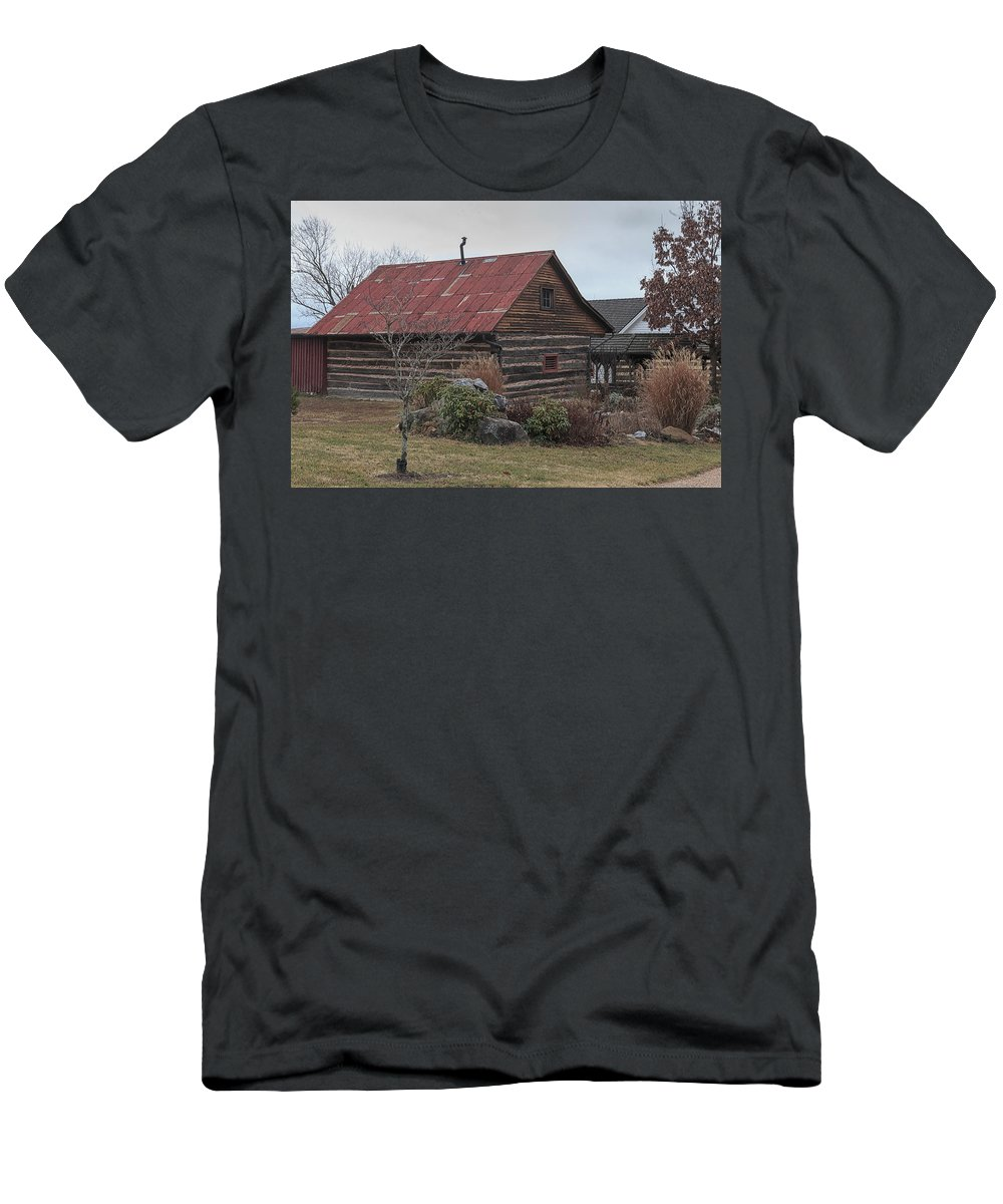 Wood Men's T-Shirt (Athletic Fit) featuring the photograph Wooden Barn by Travis Rogers