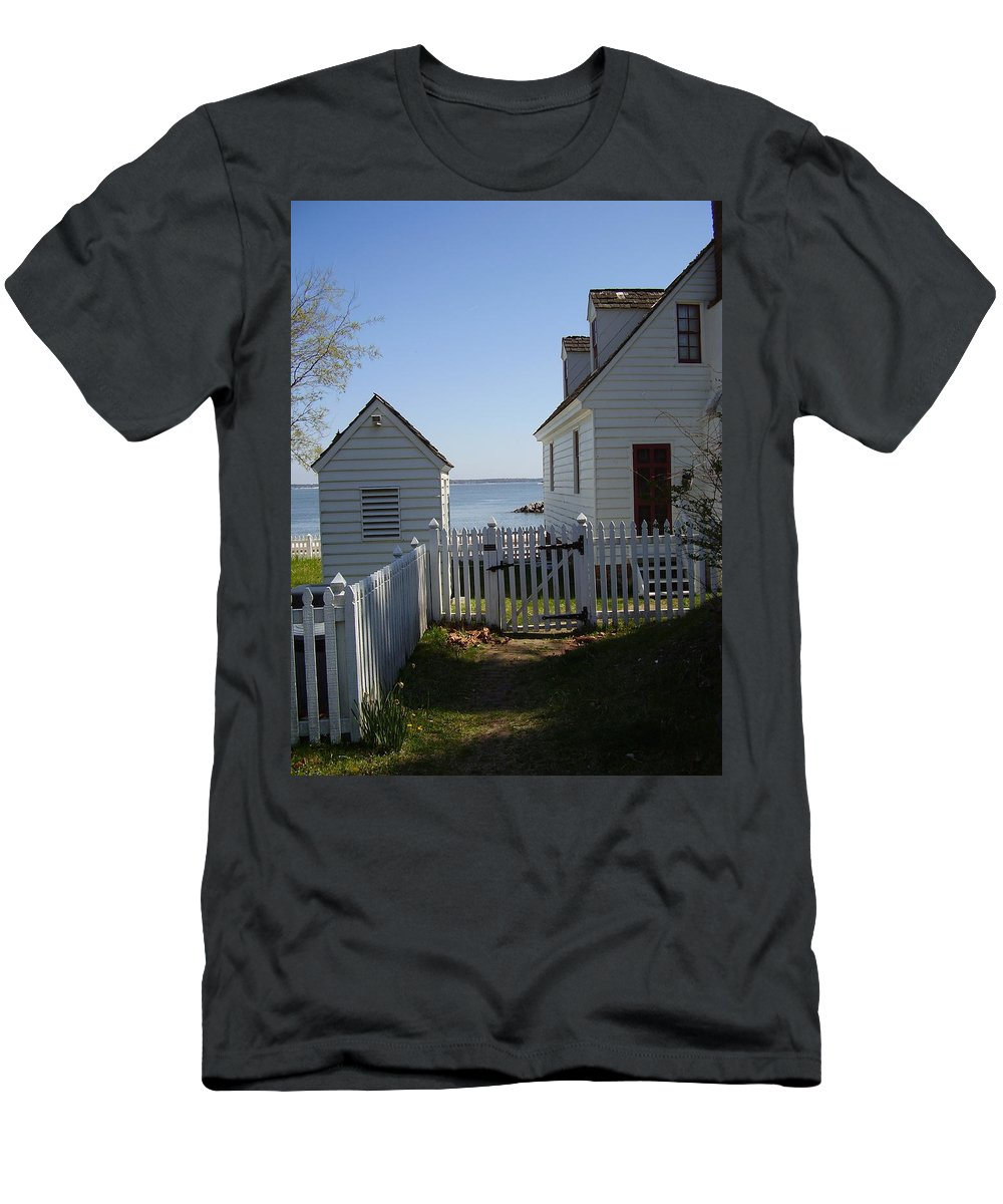 Yorktown Men's T-Shirt (Athletic Fit) featuring the photograph Yorktown by Flavia Westerwelle