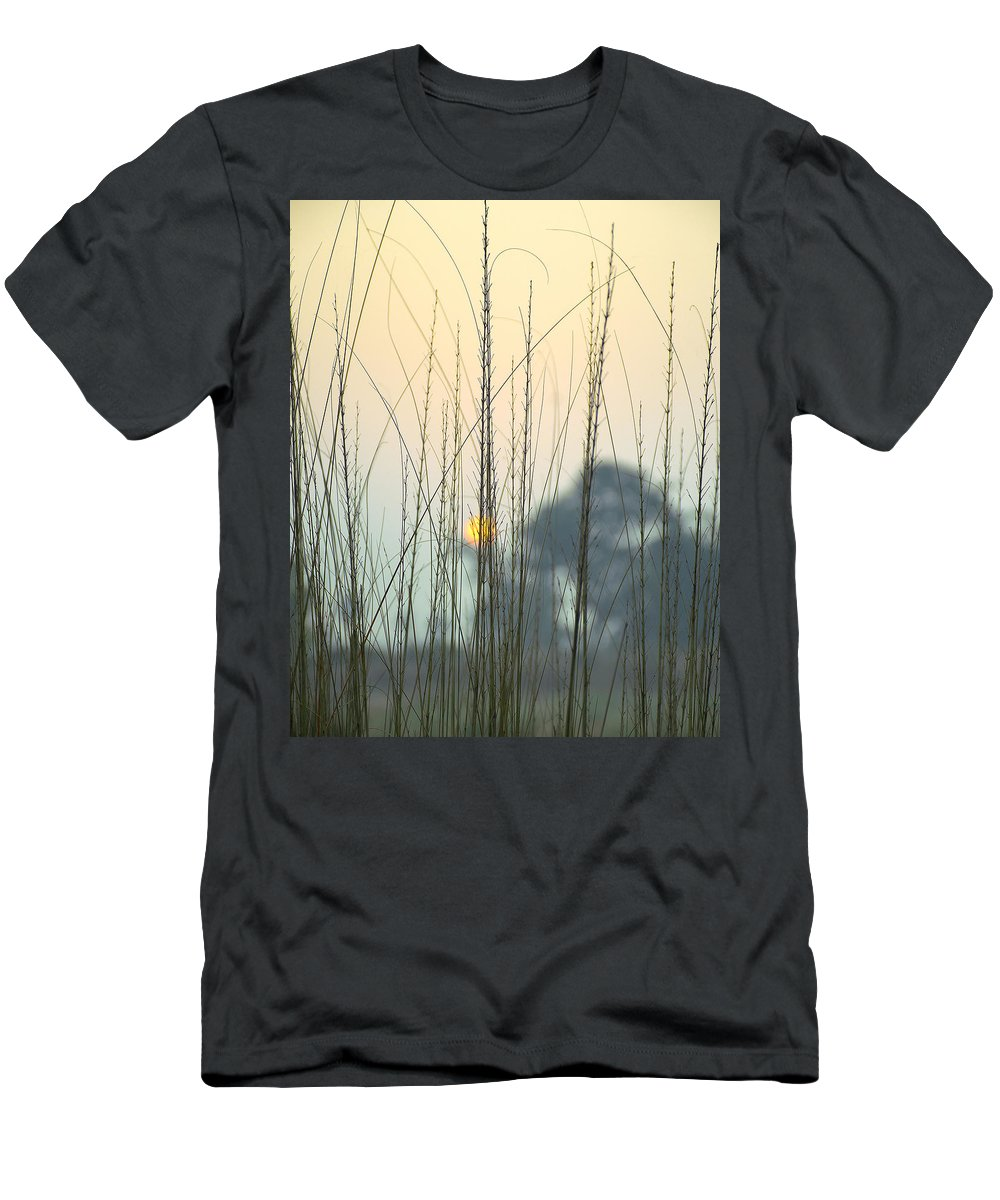 Landscape Men's T-Shirt (Athletic Fit) featuring the photograph morning Star by Ravi Bhardwaj
