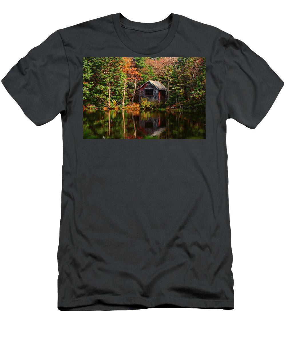 Mount Greylock Cabin Men's T-Shirt (Athletic Fit) featuring the photograph Mount Greylock Cabin by Raymond Salani III
