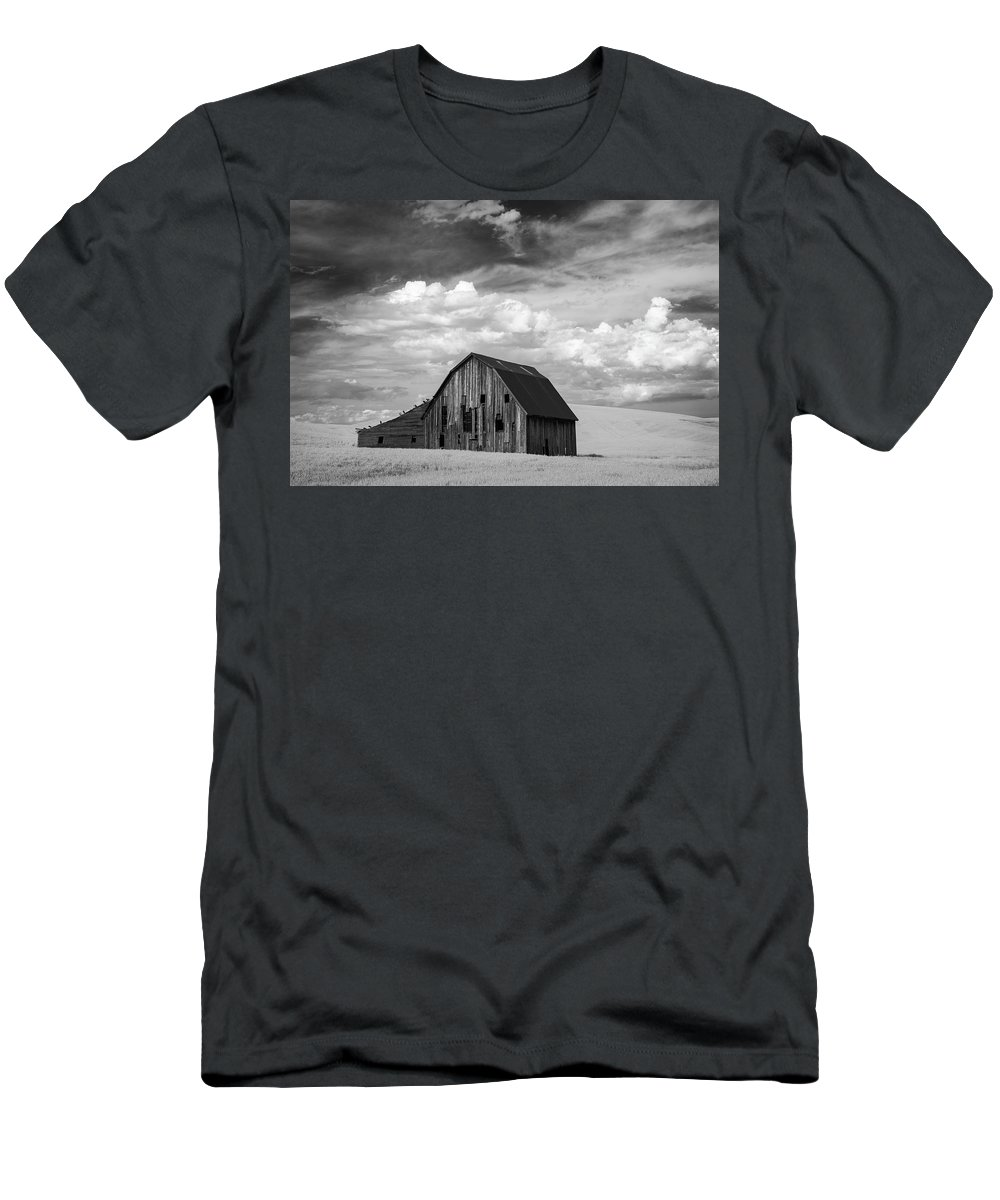 Infra Men's T-Shirt (Athletic Fit) featuring the photograph Palouse Barn Ir 9335 by Bob Neiman
