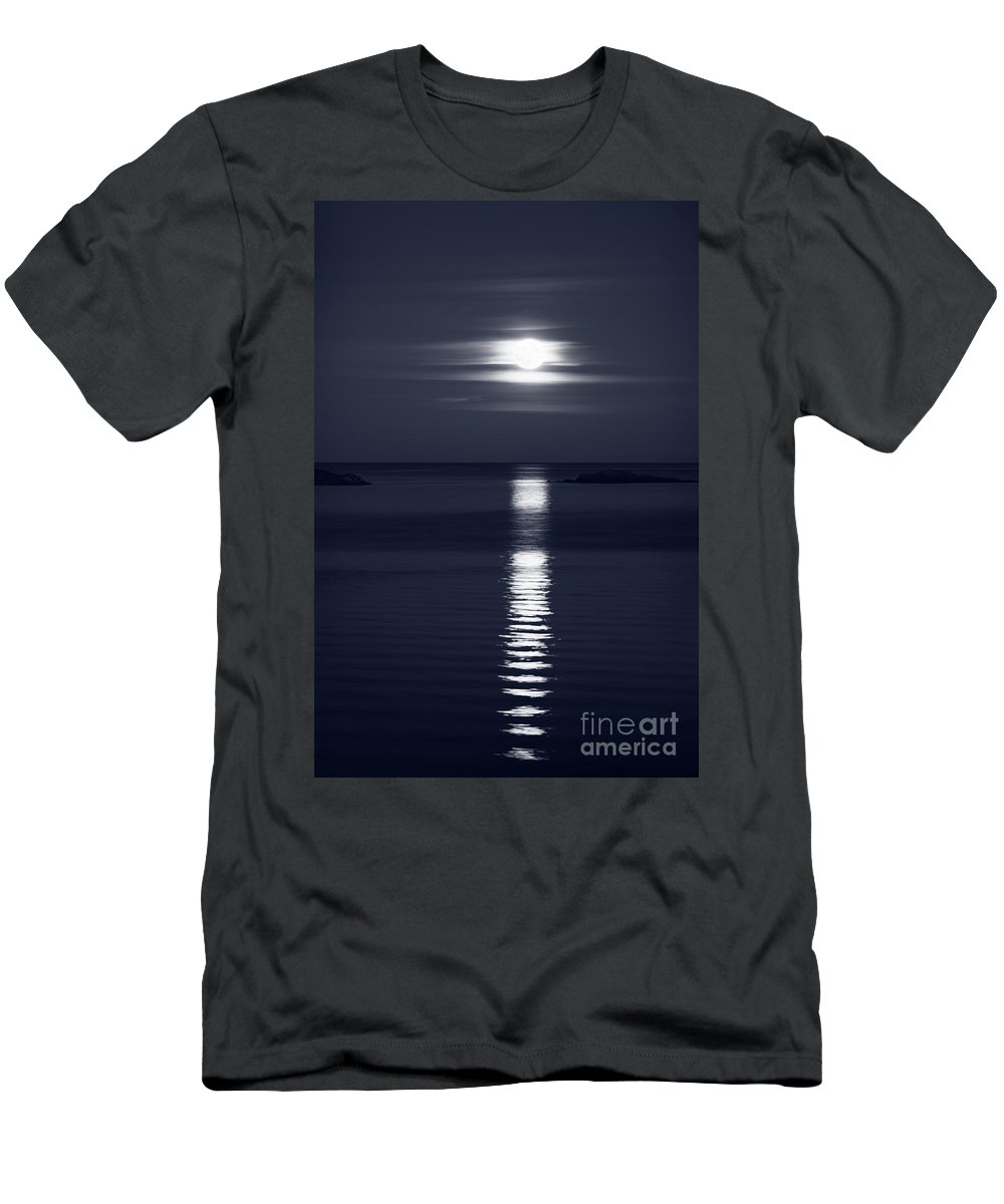 Moon Men's T-Shirt (Athletic Fit) featuring the photograph Rise Of The Full Harvest Moon Above Pacific Ocean Black And Whit by Awen Fine Art Prints