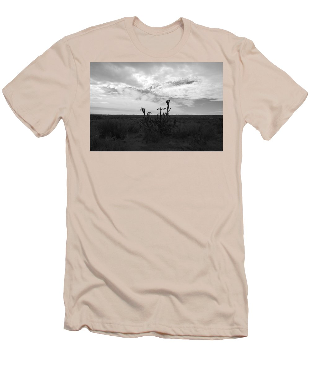 Black And White Men's T-Shirt (Athletic Fit) featuring the photograph Rio Rancho by Rob Hans